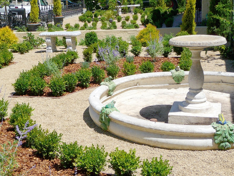 006-gallery-1-fountain-early-meander