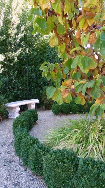 07-neal-garden-path-menader